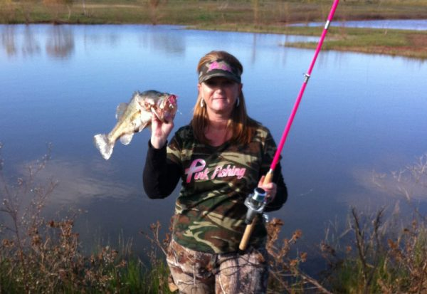 pink-fishing-spinner-bait
